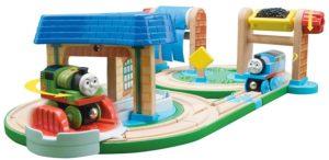 F218 Thomas trein hout