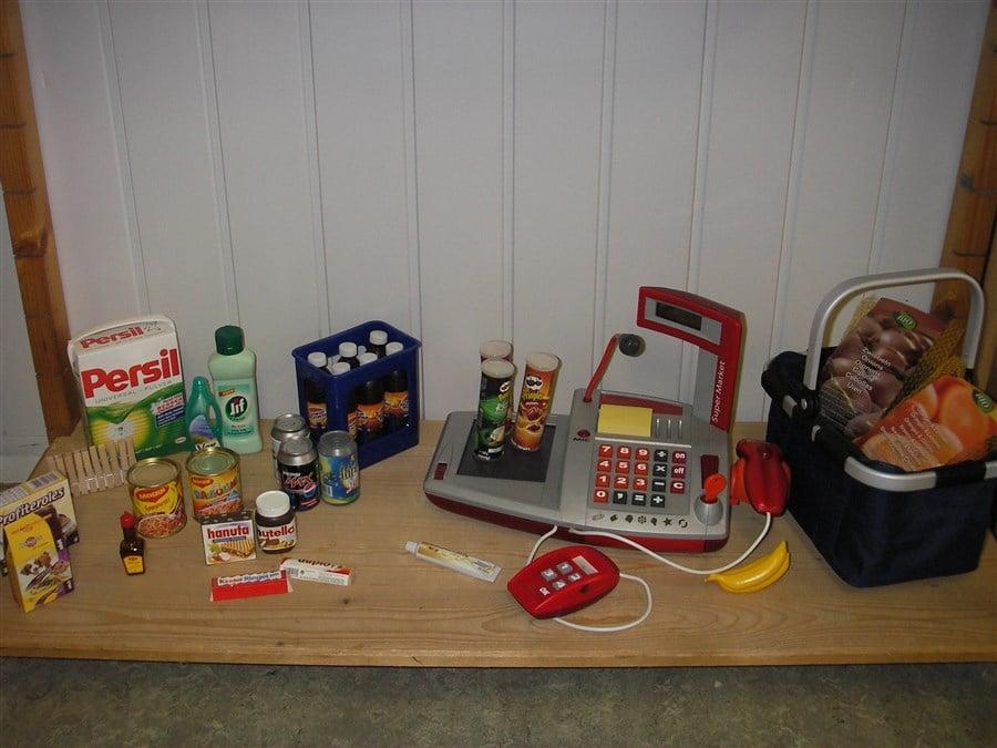 F169 Electronische kassa Smoby met boodschappen en mand