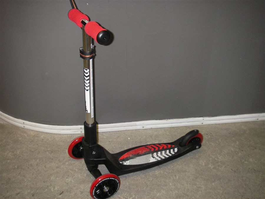 B086 Kiddy Scooter